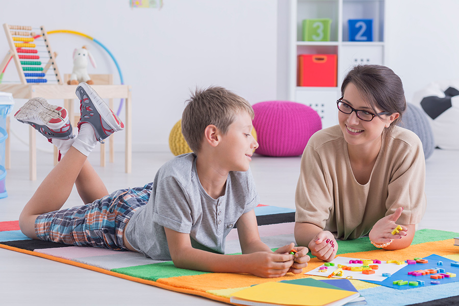 FAMILYS-HOME-garde-enfants-soutien-scolaire